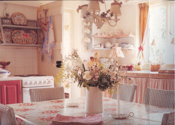 Shabby Chic tiles - kitchen in shabby chic interior design style
